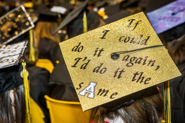 graduation-ceremonies_1.jpg